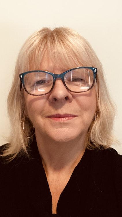 profile picture of Elizabeth Holbrook
